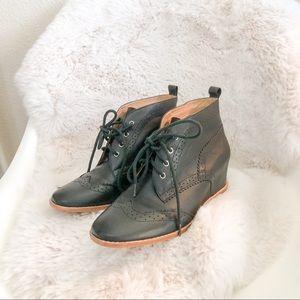 Matiko   Black Leather Heeled Brogue Oxfords sz 7